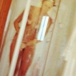 moglie di santiago canizares nuda in bagno