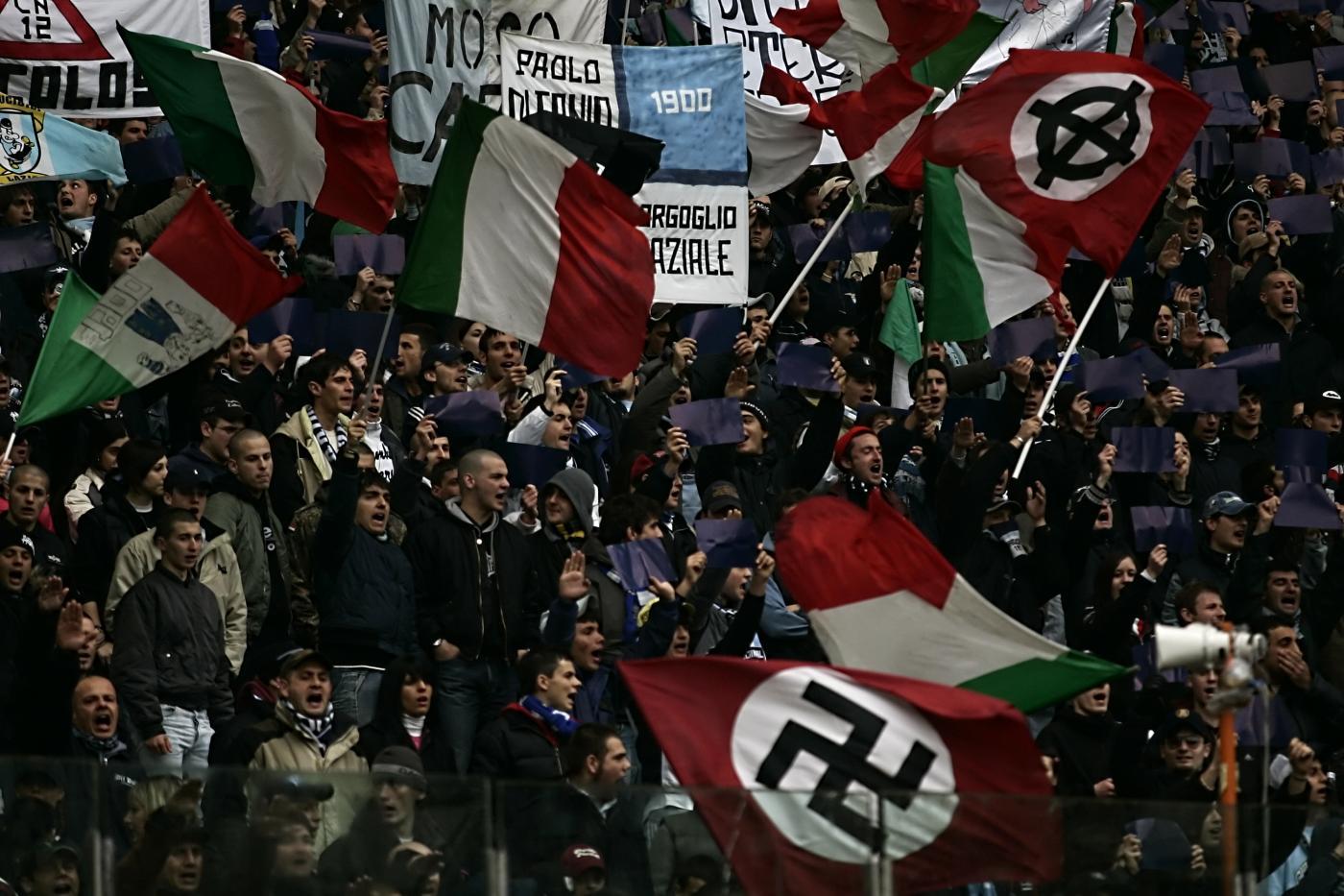 Risultati immagini per Ultras laziali fascisti immagini