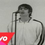 Noel Gallagher ed una band di calciatori cantanti