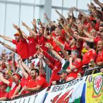 coro tifosi galesi